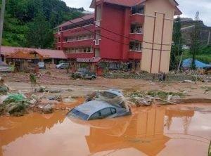 gambar-sekitar-banjir-lumpur-terburuk-di-cameron-highlands-13
