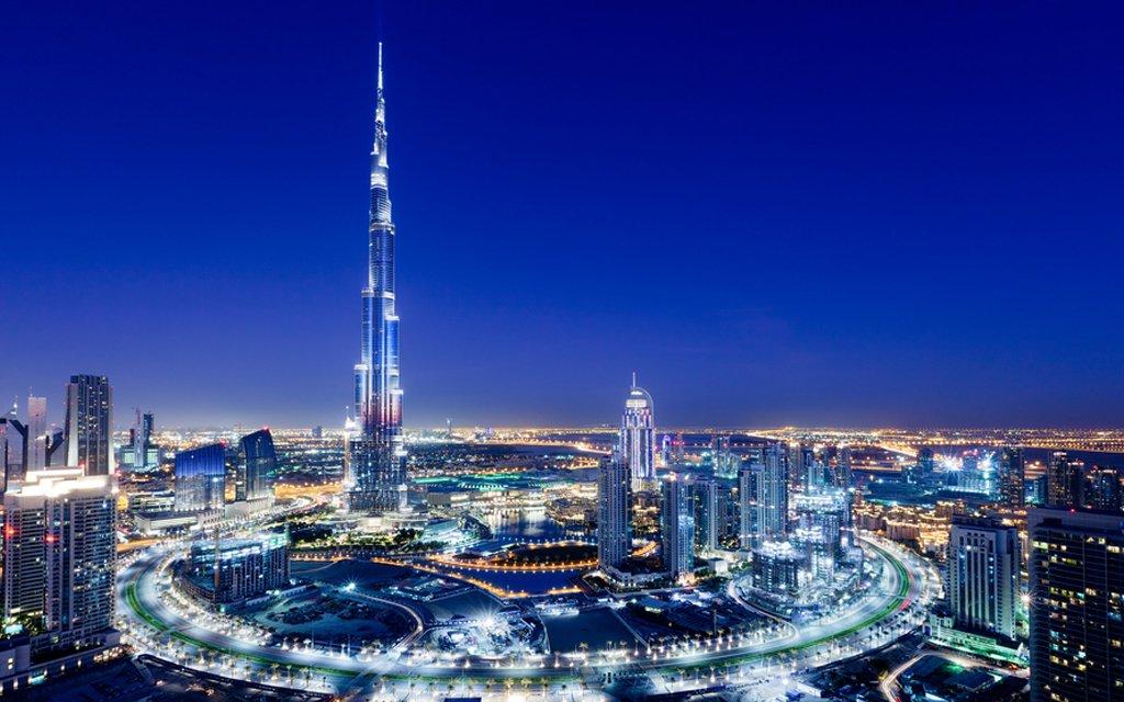 Tingginya Burj Khalifa hingga ada 3 zon waktu berbuka puasa yang berbeza