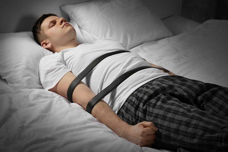 Dihempap Ketika Tidur. Benarkah ada Jin yang Mengganggu?