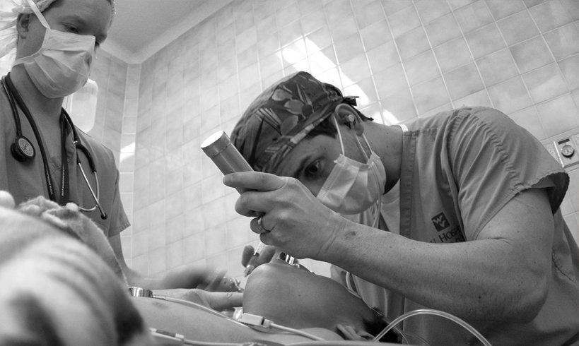 Dimasukkan berkali-kali ke dalam ICU disebabkan rokok. Tetapi masih merokok lagi