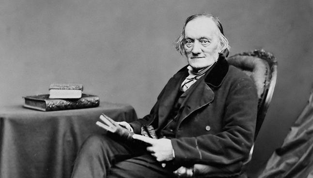 Sir Richard Owen, individu yang menemui fosil dinosaur pertama di England.